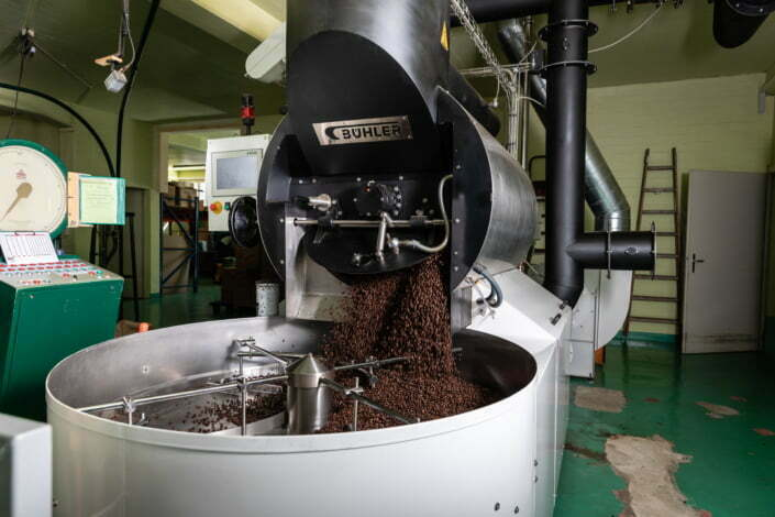Hinter den Kulissen einer Kaffeerösterei