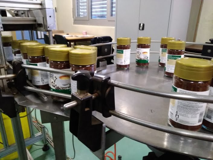 Naturaplan Instant Kaffee Abfüllung