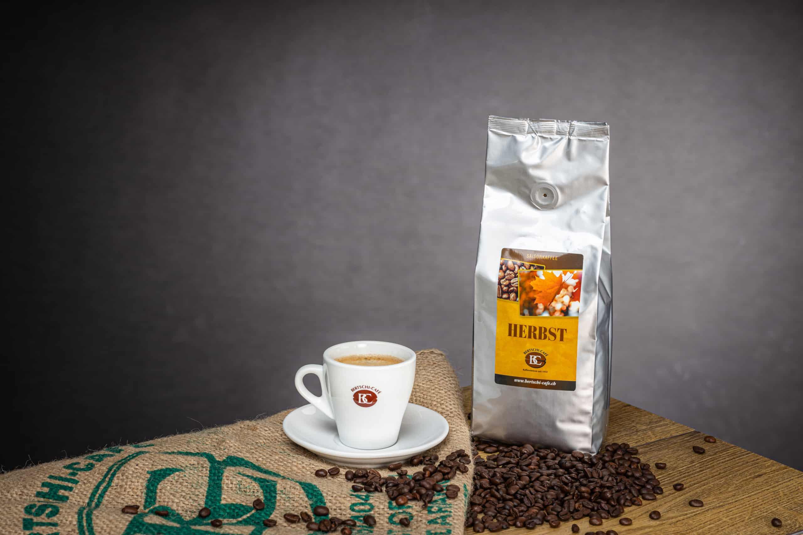 Saison Kaffee Herbst